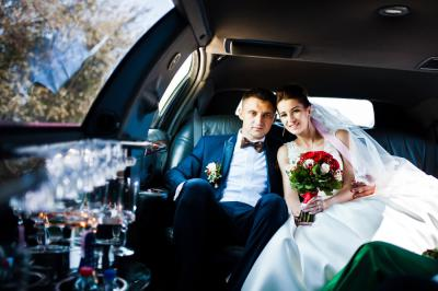 What to Consider When Choosing Your Wedding Car